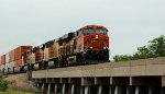 BNSF 6716 takes a eb hotshot z stowwsp.